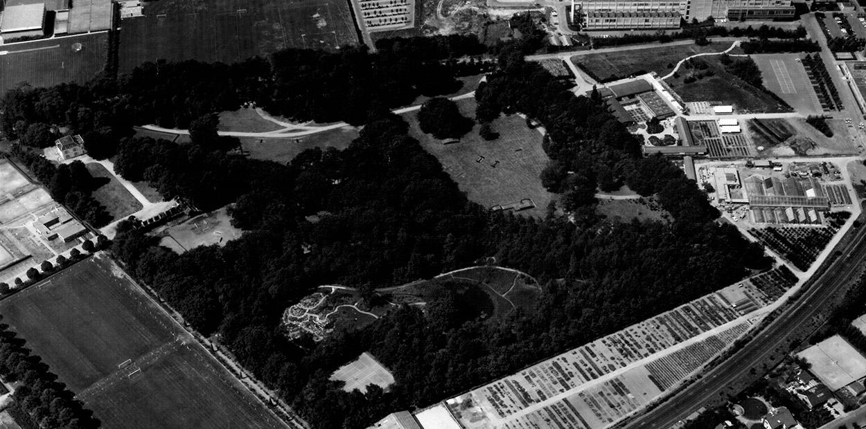 Luchtfoto van Hortus Botanicus Nijmegen in de 70'er jaren. Foto komt uit het archief van Hortus Nijmegen